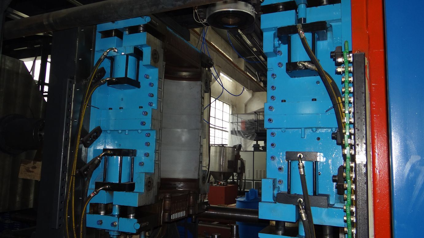 HDPE Barrel Extrusion Blow Molding Machine