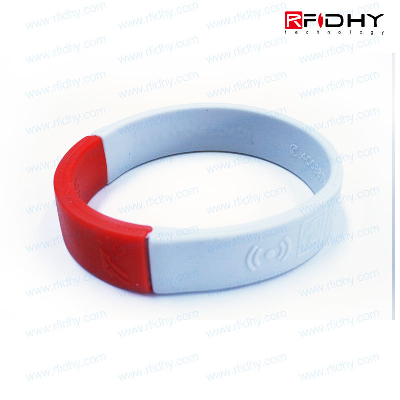 2016 Latest Manufacturers Silicone Tag Wristband Sport RFID with Logo Printing