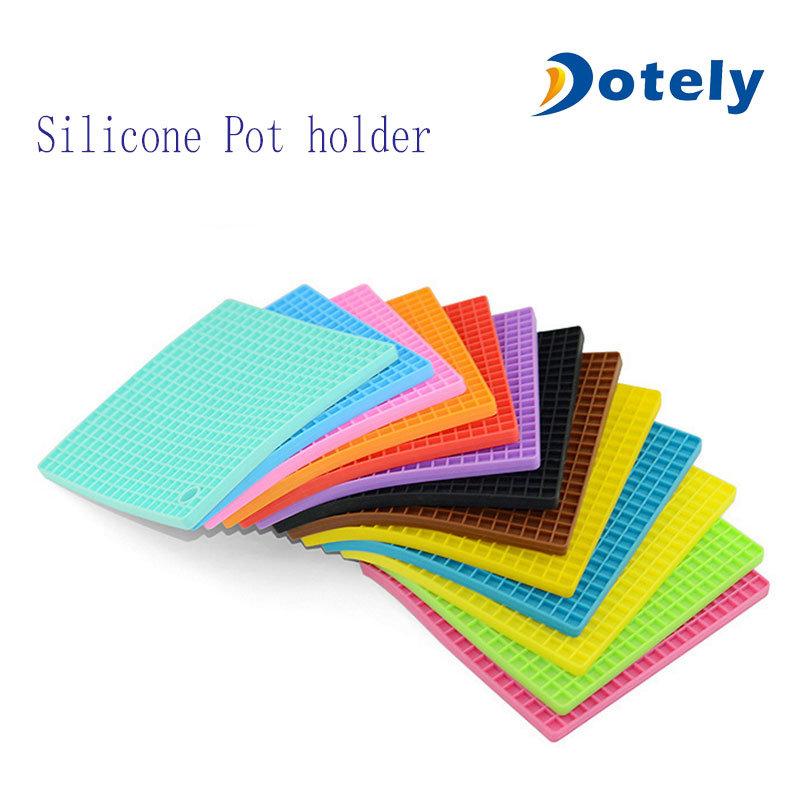 Square Non Slip Silicone Heat Resistant Trivet Mat