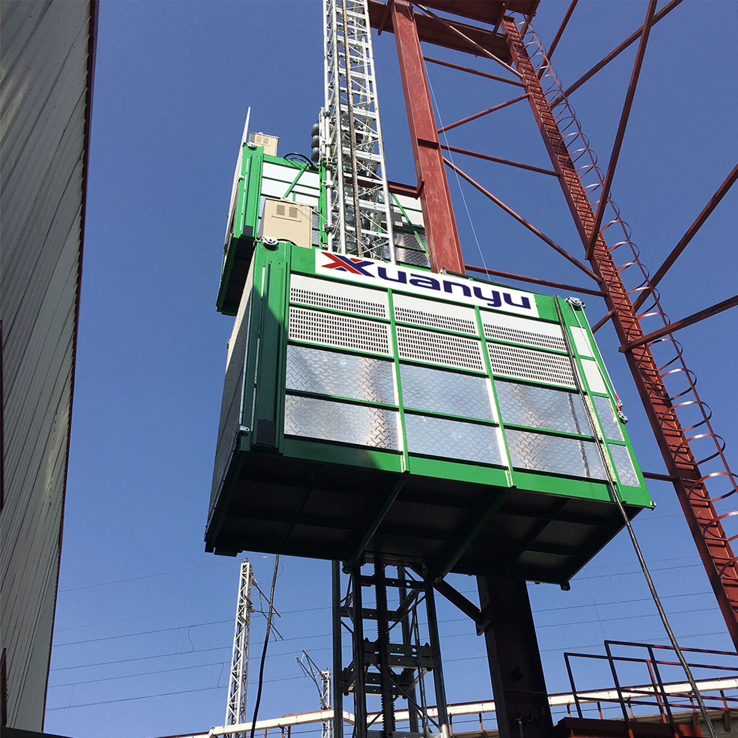 Middle Speed Building Hoist for Lifting Passengers and Materials