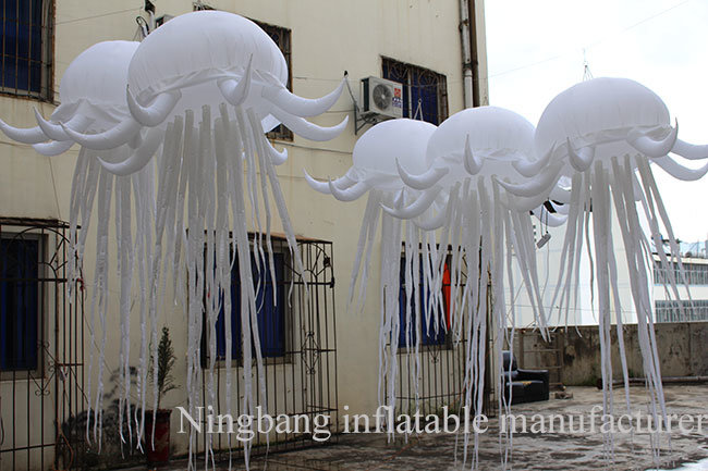 Wholesale Event Stage Wedding Party Decoration Colorful Lighted Inflatable Jellyfish