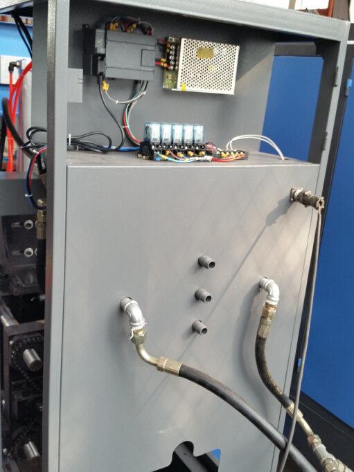 Semi Automatic 2 Cavities Bottle Blowing Machine