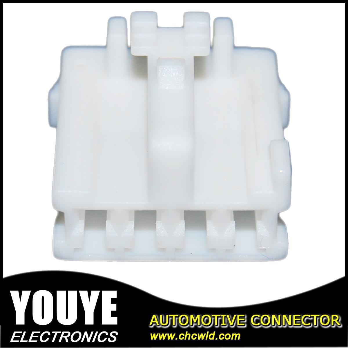4 Poles PBT Plastic Automotive Connector Housing