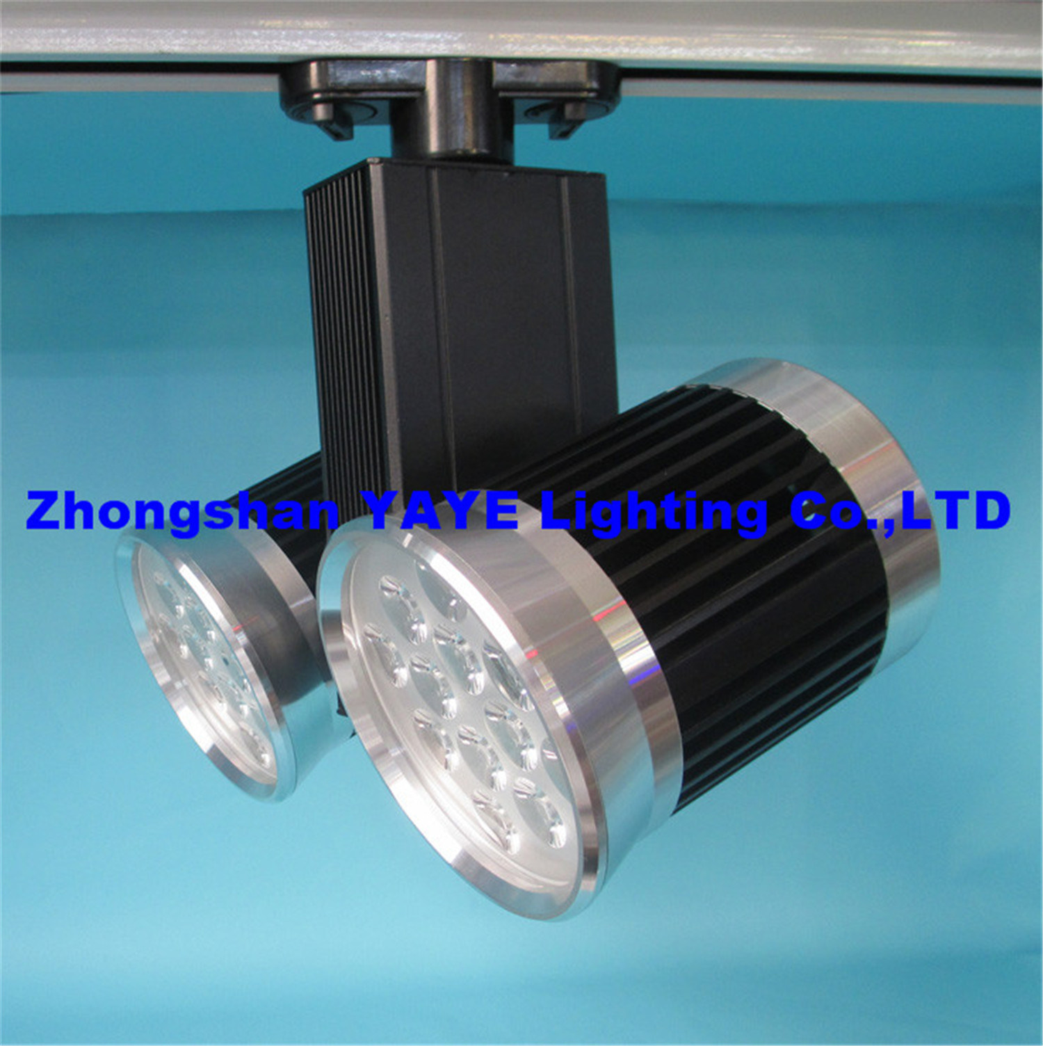 Yaye Hot Sell CE/RoHS Approved Competitive Price 24W LED Track Lighting with 3 Years Warranty