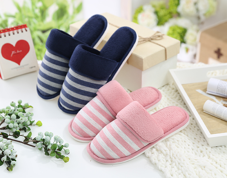 Lady′s Slipper Injection Sole Soft Home Slipper