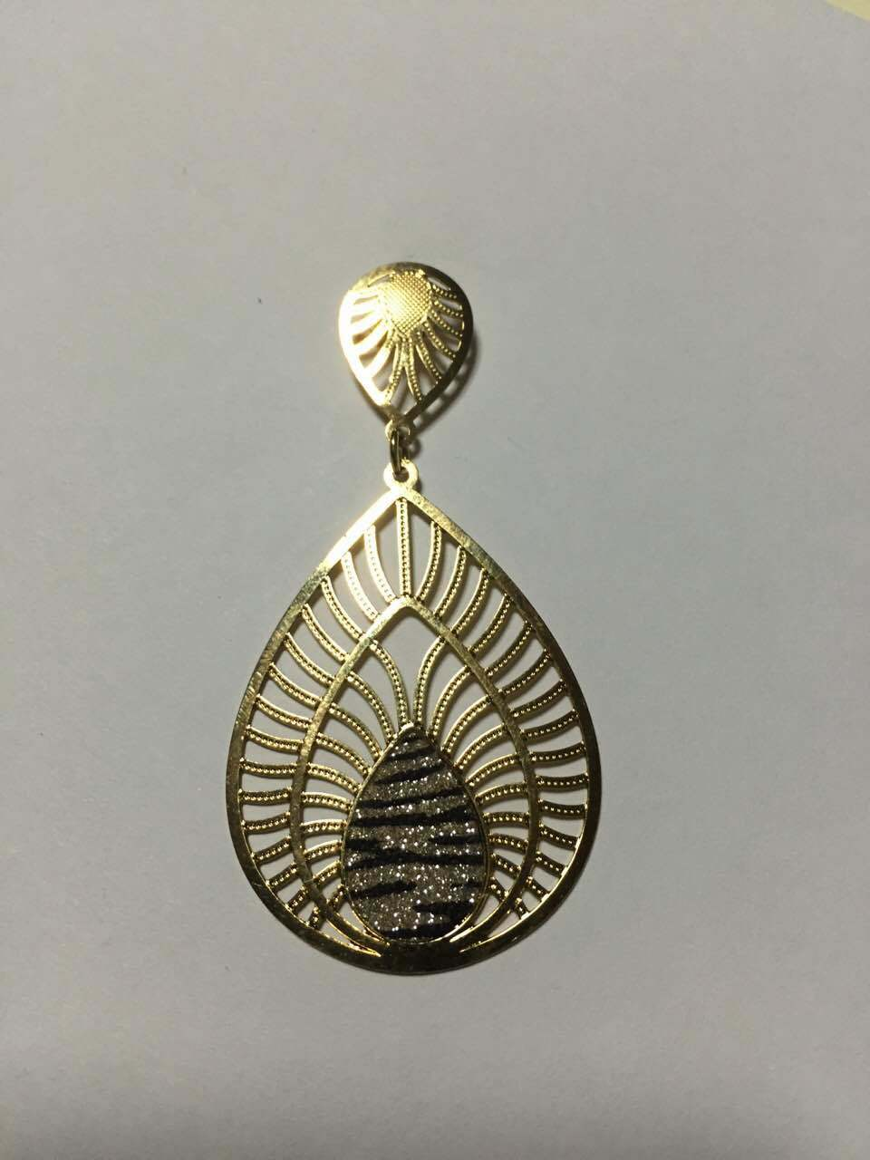 China Wholesale Brass Feather Pendants Supplier