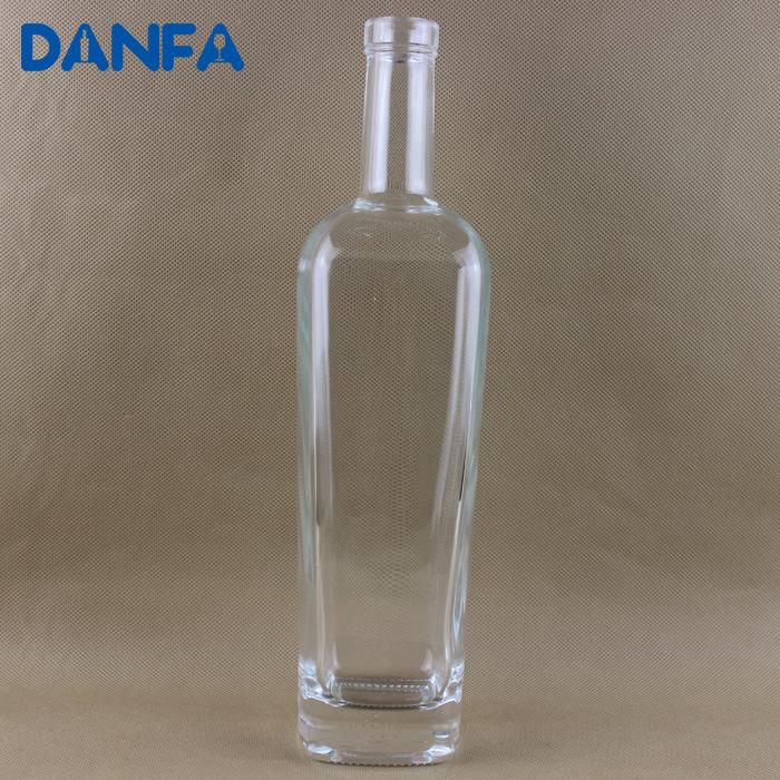 750ml Super Flint Glass Vodka Bottle (DVB129)