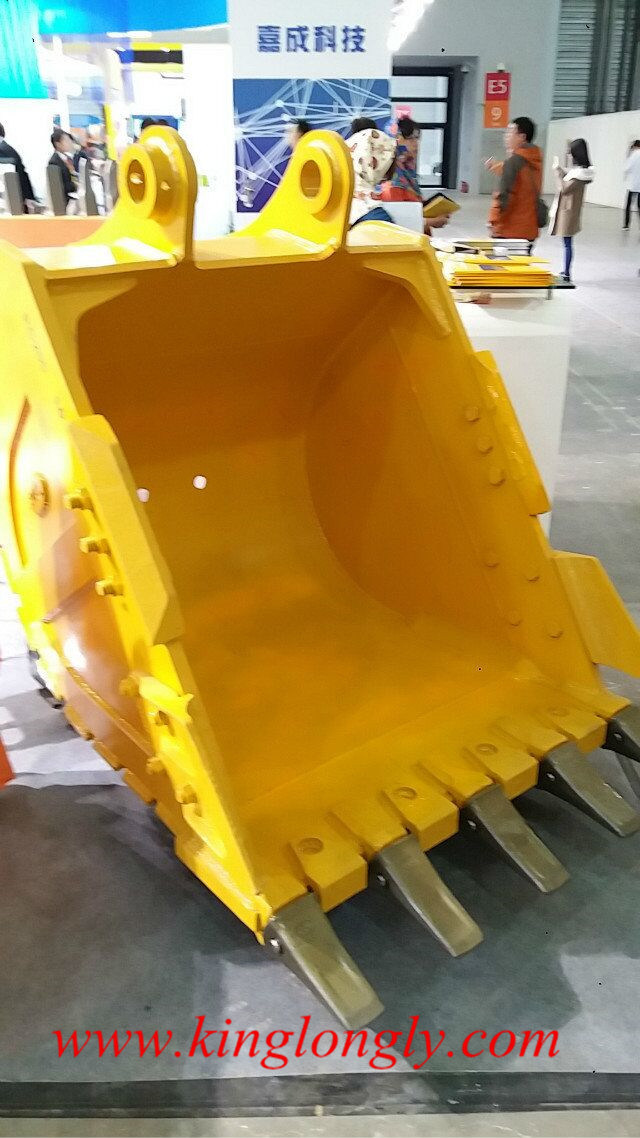 Komatsu PC 200 Excavator Heavy Duty Bucket