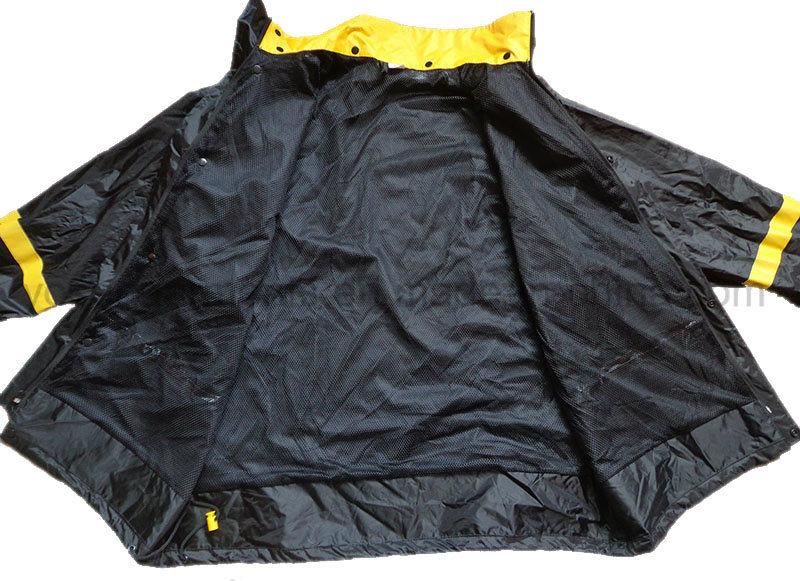 Men′s Waterproof Outdoor Coat Jacket Clothing Raincoat (RWA11)