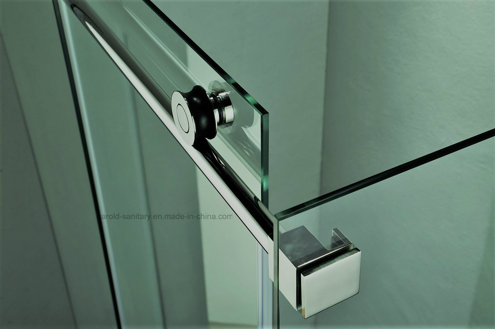 NA-02 Hunging Sliding Shower Enclosure