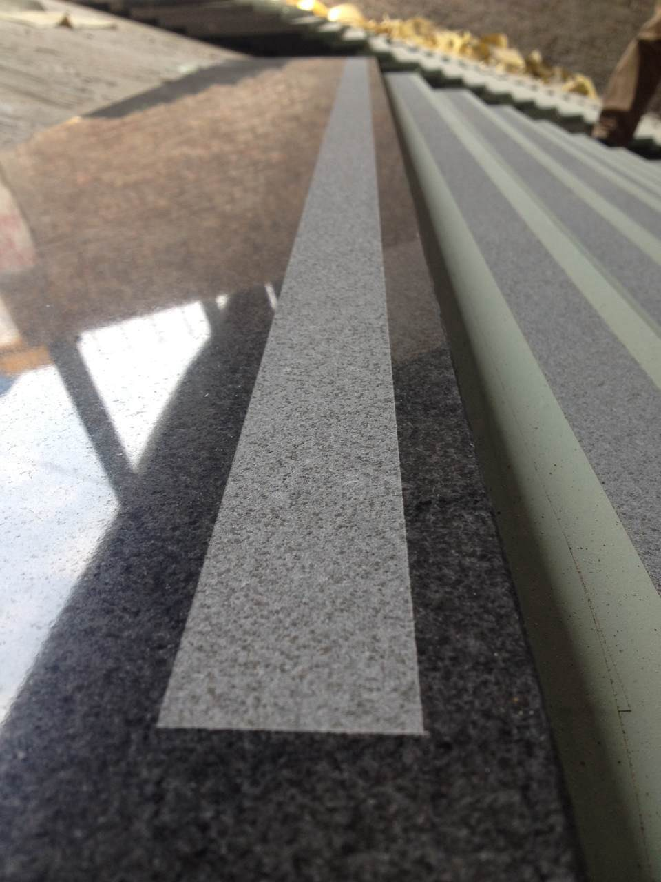 Marble/Granite/Travertine/Limestone/Onyx/Slate/Porphyr Stair Step Granite Kerbstone