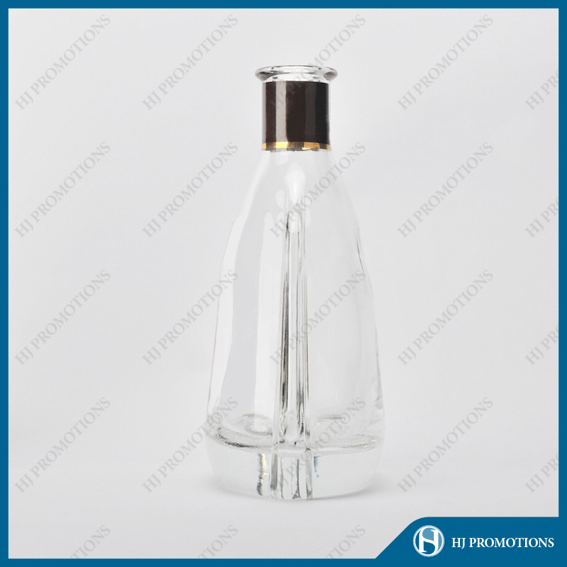 700ml Whisky Glass Bottle with High Quality (HJ-GYTN-C05)