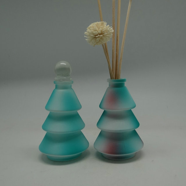 80ml Unique Design christmas Tree Shape Colorful Glass Diffuser Bottle