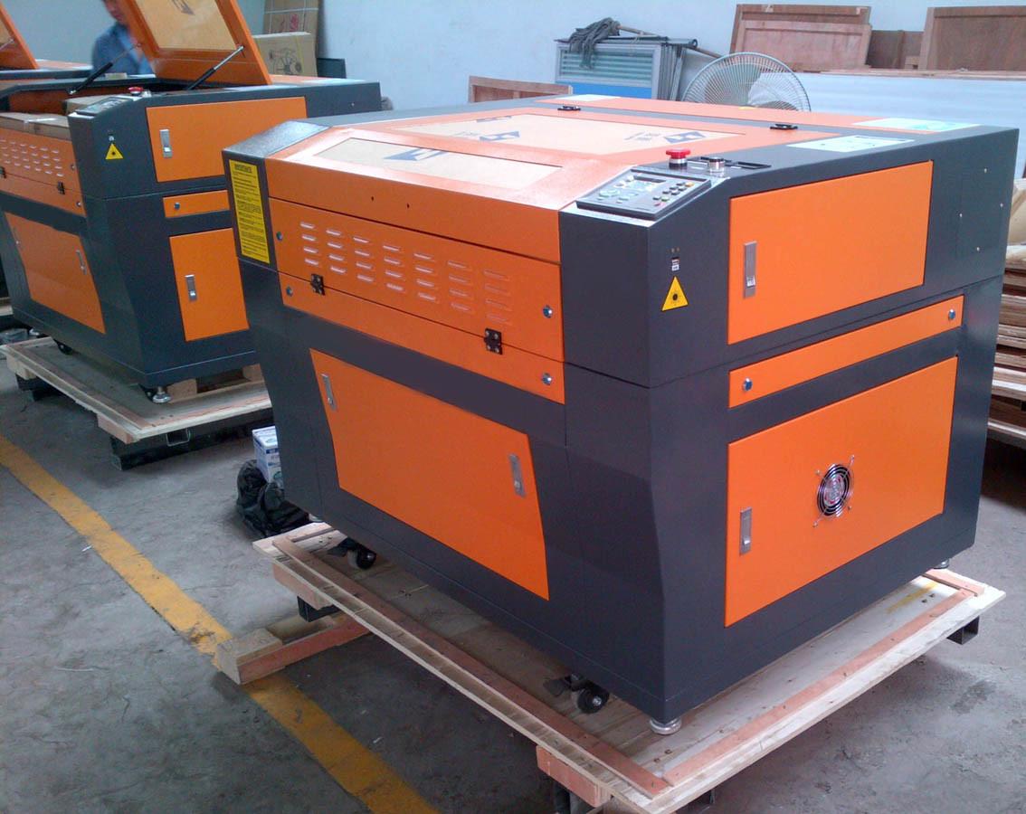 High-Speed CO2 Laser Engraving Machine and Laser Cutting Machine