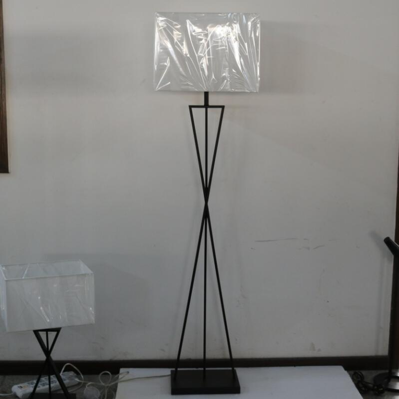 Modern Hotel Decorative White Fabric Shade Steel LED Floor Lamp