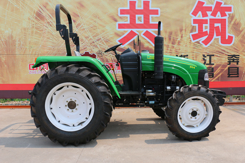 Zt654 65HP 4WD off-Road Farm Agricultrual Wheel-Type Tractor