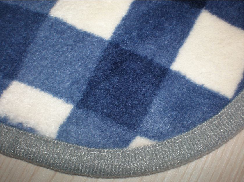 How to Make No-Sew Polar Fleece Blankets | eHow.co.uk
