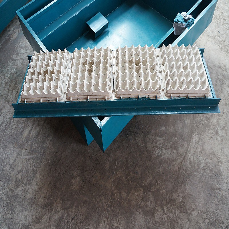 Hihg Quality Pulp Egg Tray Making Machine (CL-T0034)