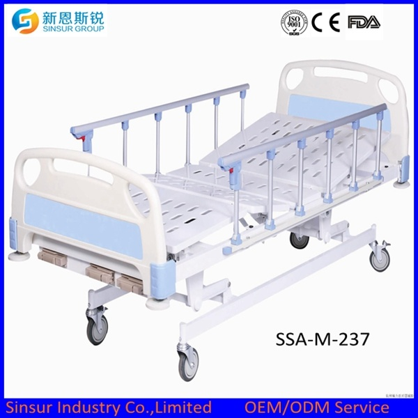 Manual Double Shake Medical Bed/Hospital Bed