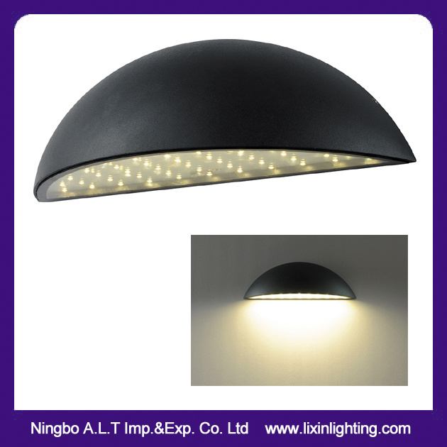 IP54 Exterior LED Wall Lamp in Design of Half Moon SMD