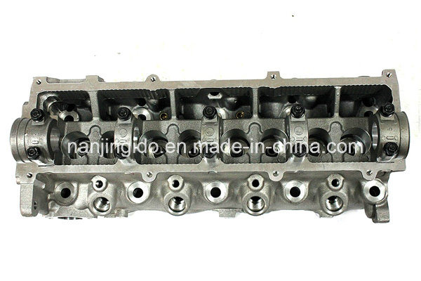 Car Spare Parts Cylinder Head for Mazda 626 1993-1997 R2l110100A