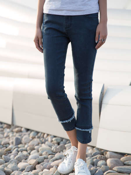 2017 Custom Design Apparel Fashion Women′s Denim Jeans