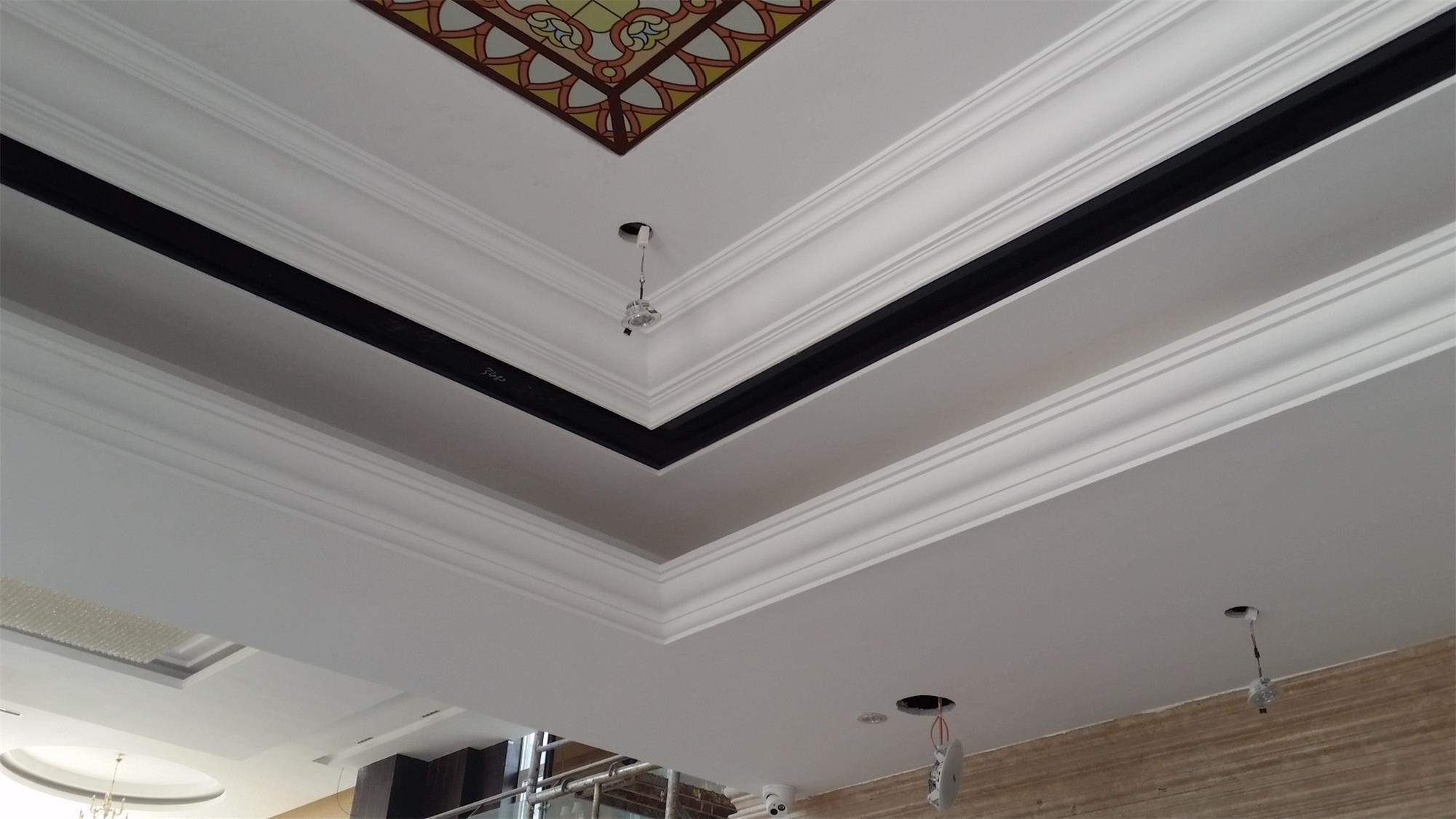 China magnificent decorative gypsum plaster cornice for Plaster ceiling design price