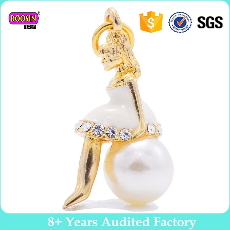 2017 Factory Alloy Wholesale Fancy Cage Pearl Pendant Designs for Girls