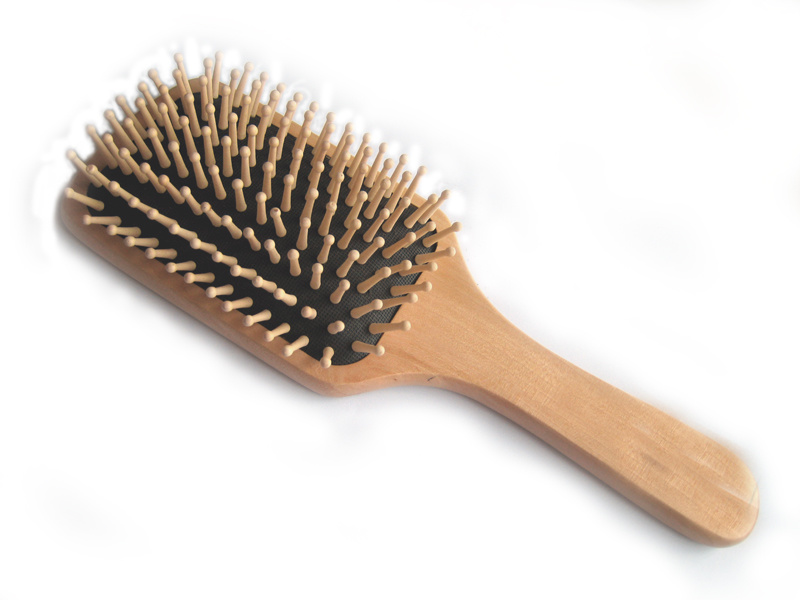 how to get wet hair out of circular brush