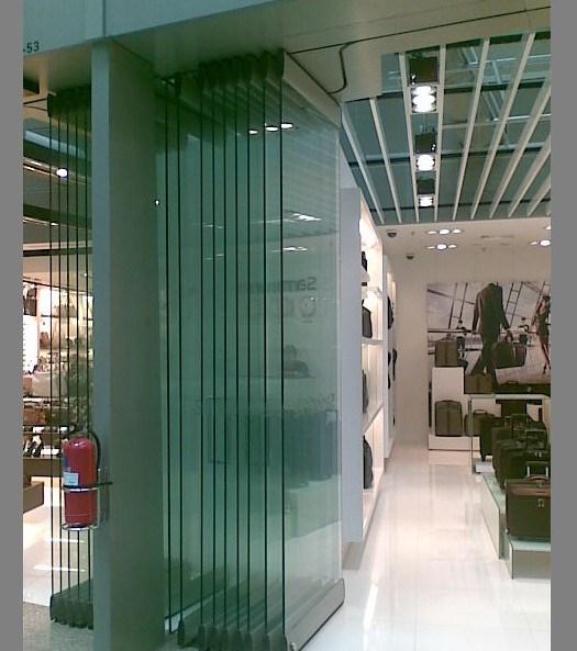 China Alaform Frameless Glass Folding Door Systems China
