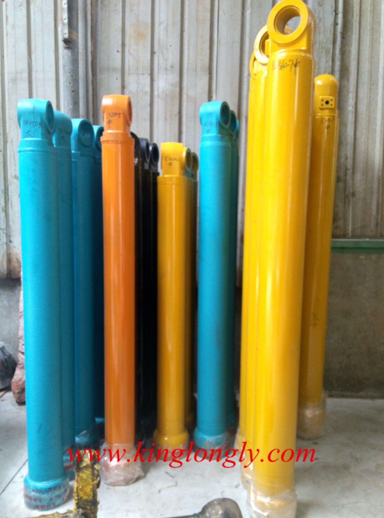 Hydraulic Cylinder Oil Cylinder for Excavator Earthmoving Parts