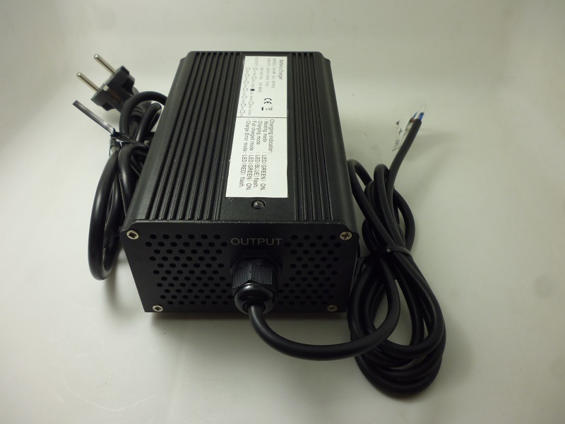 36V 8A Lithium LiFePO4 Battery Charger with Aluminium Alloy Case for Electric Scooter