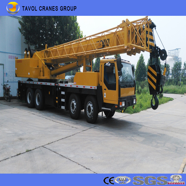 Truck with Crane for Construction Equipment