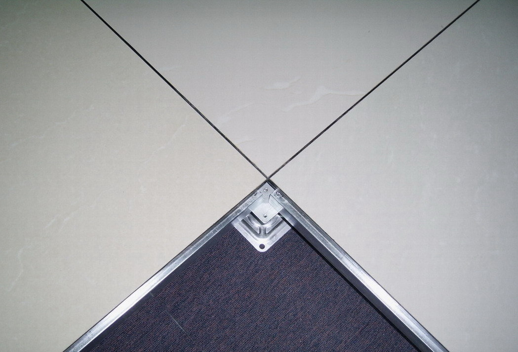 China Raised Floor With Antistatic Vitrified Tile China Raised Floor