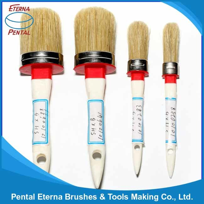 131b Round Brush with Wooden Handle and White Bristle