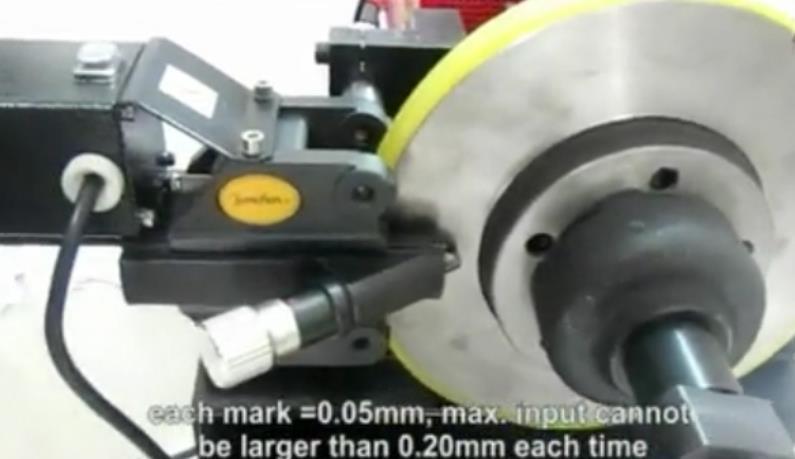 Brake Drum/Disc Cutting Lathe/High Precision Brake Disc Aligner for Braked Disc Repair (JS-8702S)
