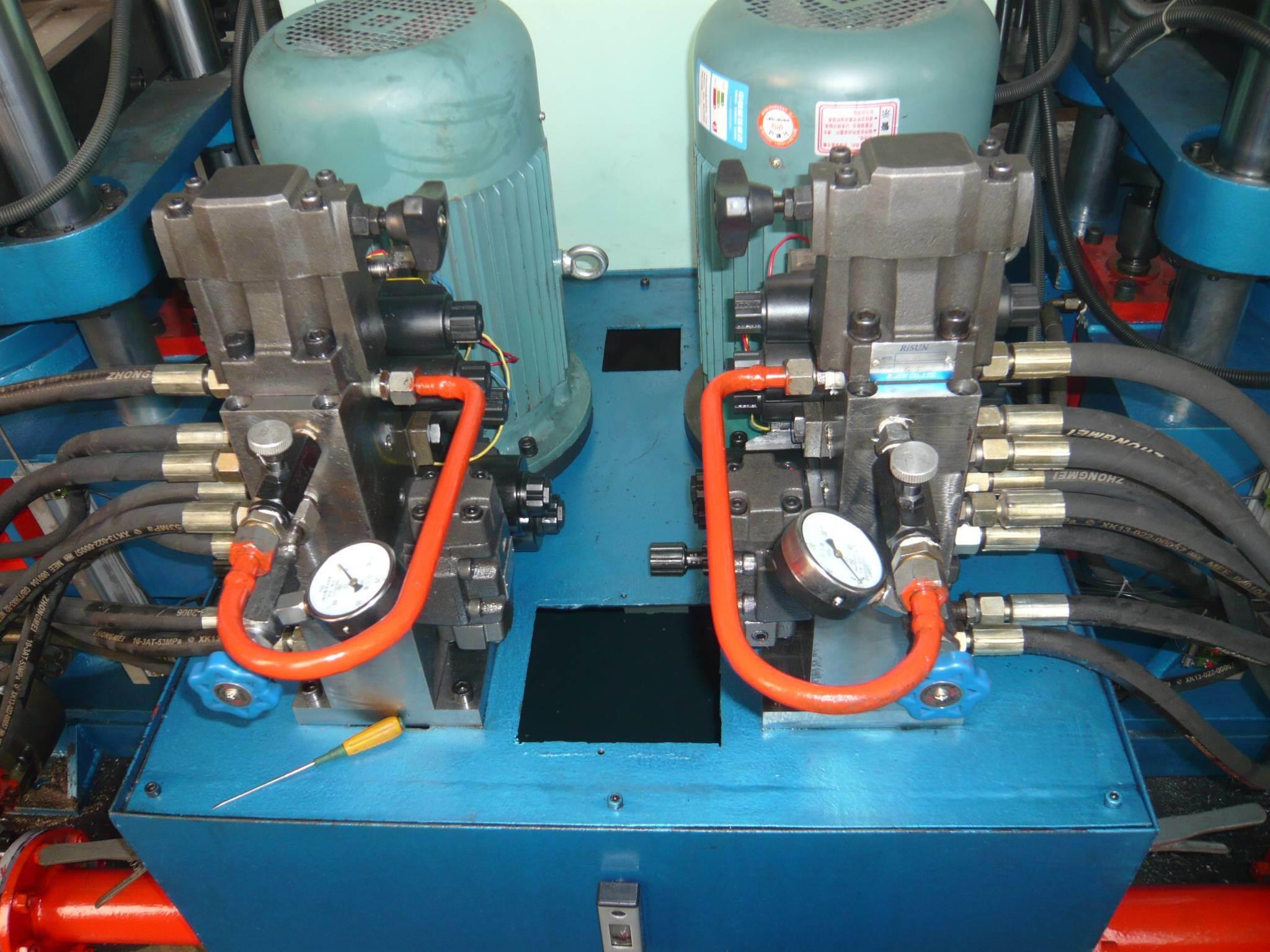 China Double Type Automatic Plate Vulcanizing Press