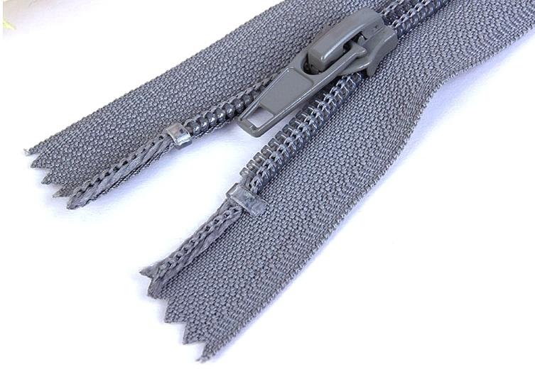 Shoe Zipper & #7 Close End Nylon Coil Zipper for Boots