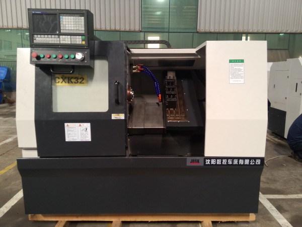 Slant Bed CNC Lathe/Turning Machine with Servo Tool Turret (CXK32)