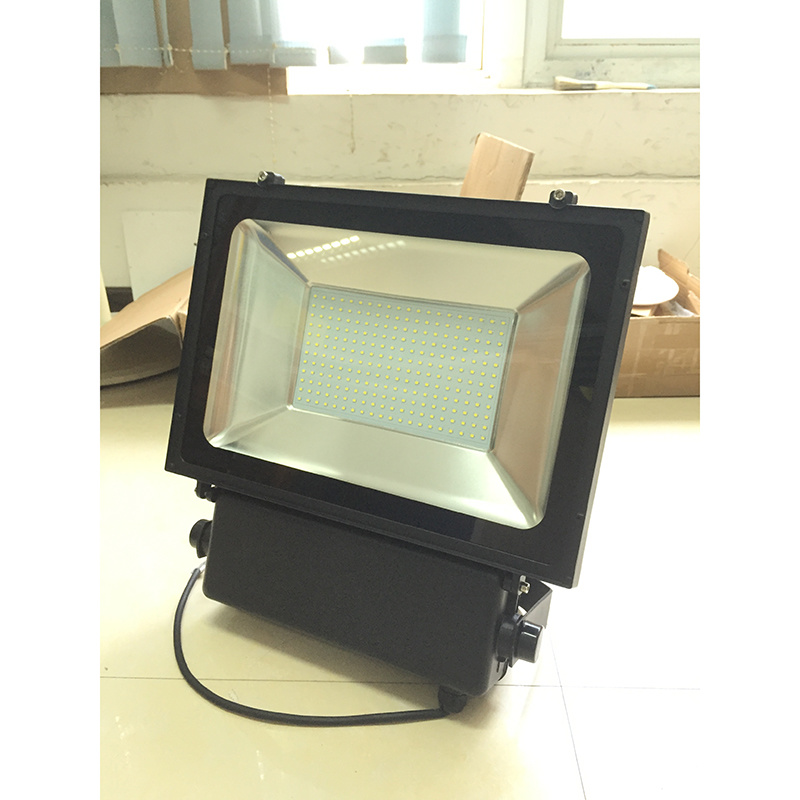 150W New Design Waterproof Tennis Court LED Flood Light