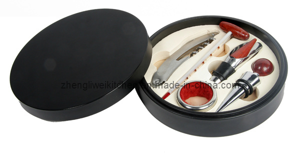 Wine Accessories in Black Round Box