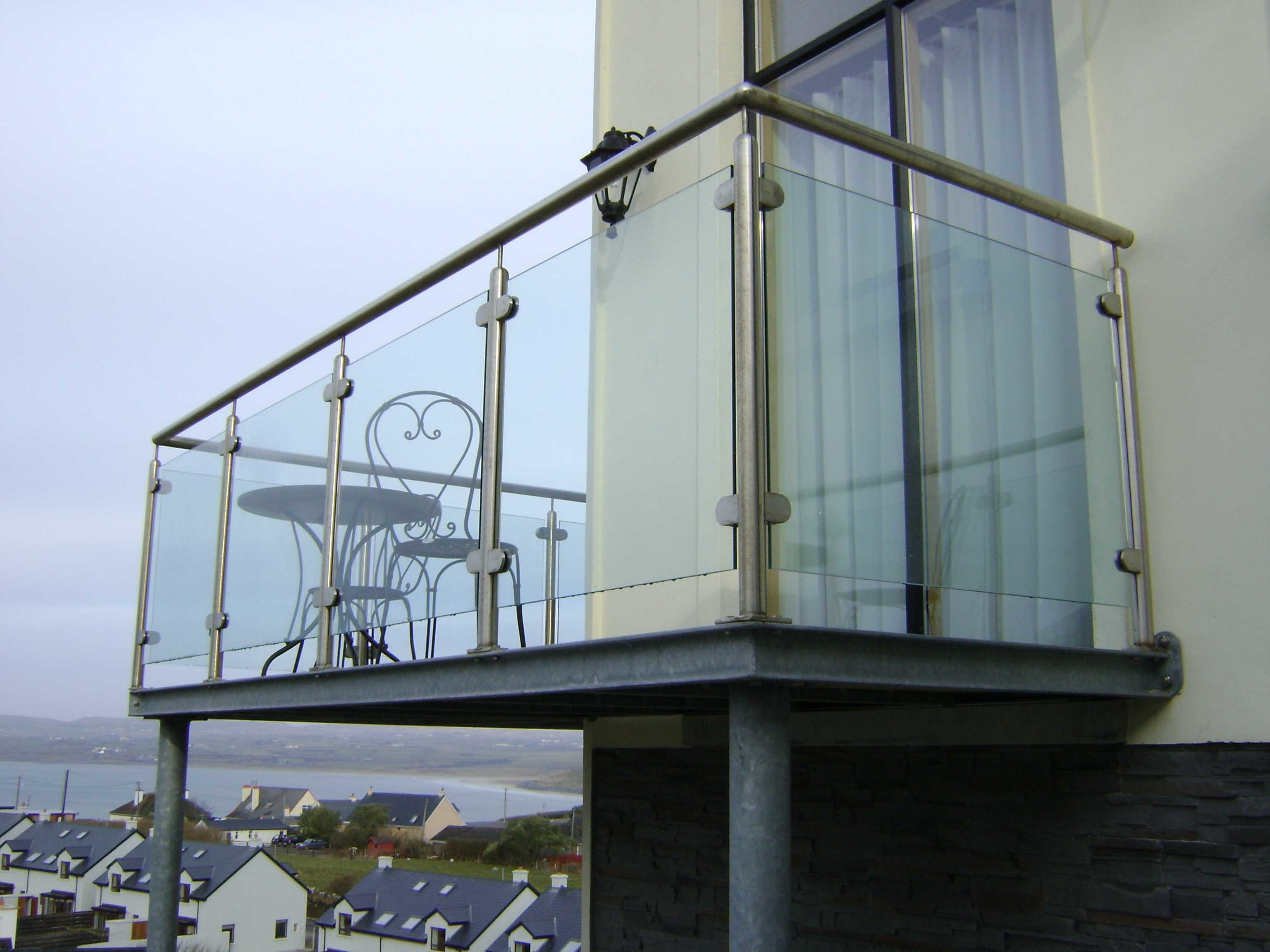 Tempered Glass Railing/Balustrade with U Channel/Spigot/Post/Patch Fitting