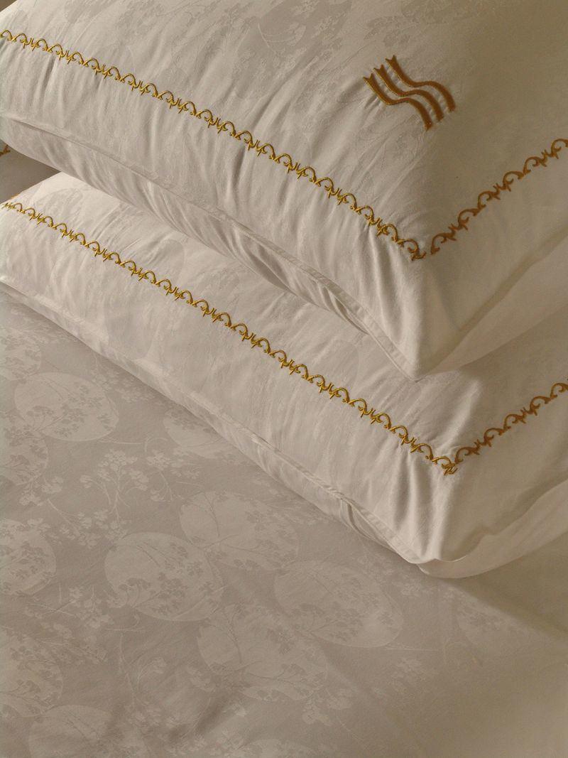 Pillow Case & Pillow (SDF-B025)