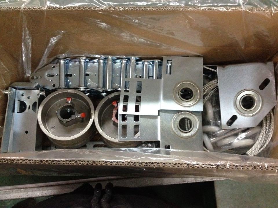 Sectional Garage Door Hardware/Garage Door Hardware Box/Automatic Sectional Door Hardware