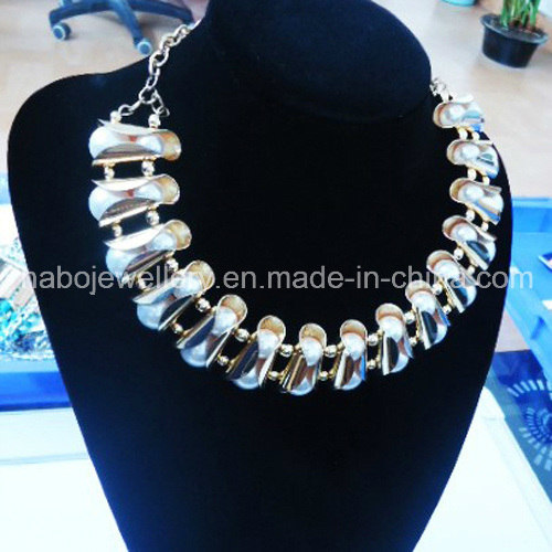 Fashion Jewelry/ New Design White Pearl with Gold Plated Big Necklace (NPN1017)