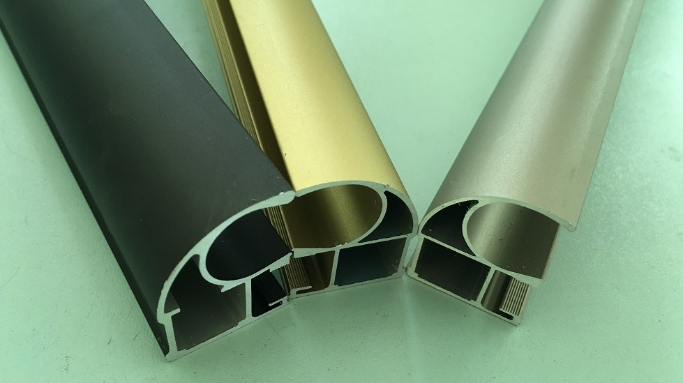 Aluminum Extrusion/Aluminium Profile for Surface Oxidized Golden.