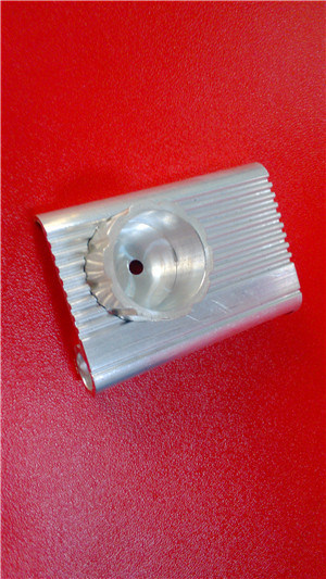 OEM Aluminum Extrusion Parts with Machining for Mountain Bike Accesorries