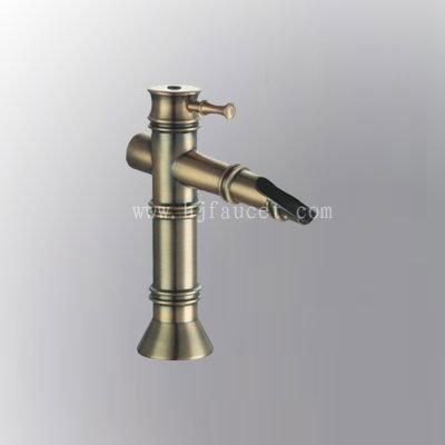 Brass Bathroom Accessories on Bamboo Bathroom Accessories On Bamboo Antique Brass Vessel Sink