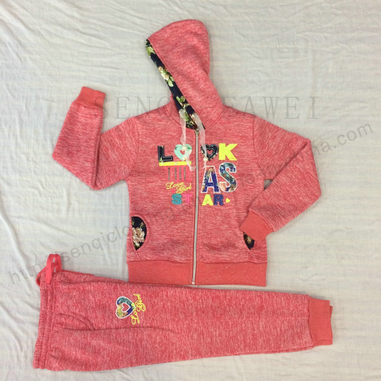 Winter Girl Children′s Sports Suit Wear with Lace in Kids Clothes Sq-6664