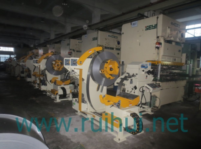 Straightener with Nc Servo Feeder and Uncoiler Use in Press Machine Help to Make Car Parts